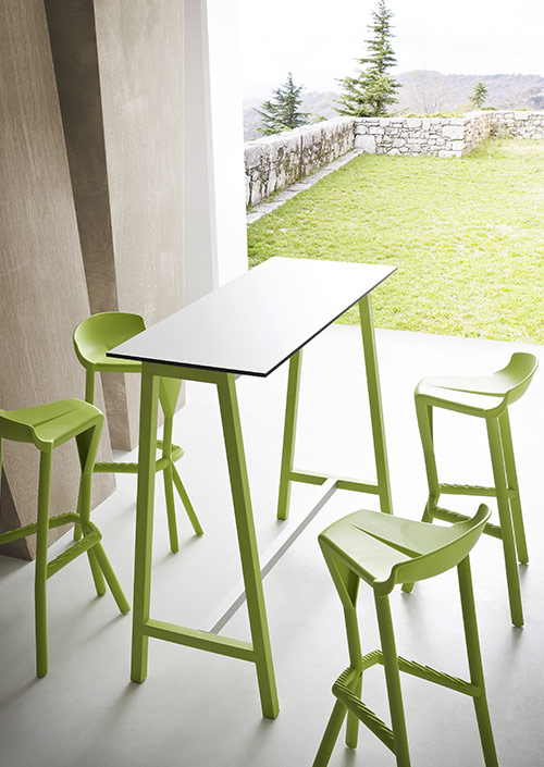STEP Outdoor Tables